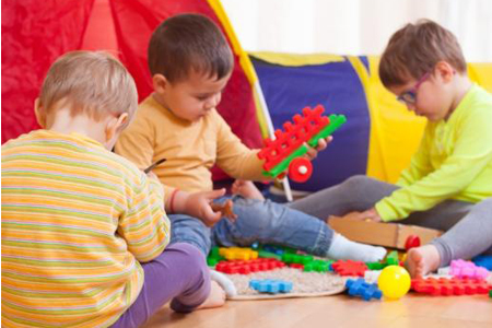 Kako nauciti dijete da posprema igracke